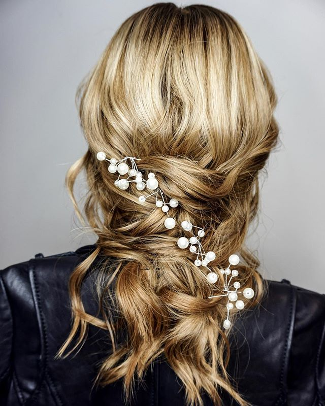 One of the Best Medium-Length Hair Ideas for Weddings and Formals