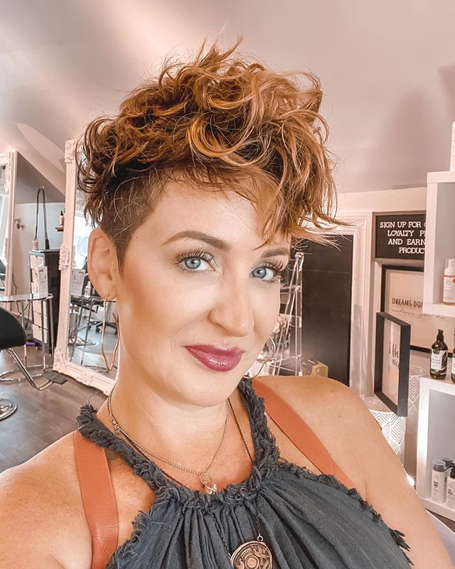 Short Wavy Haircut Ideas That Are Punk Rock