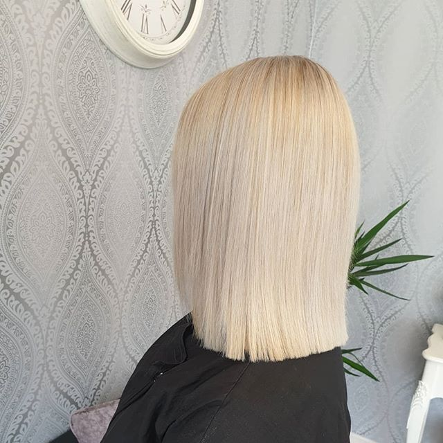 Platinum Blonde Straight Bob Cut with Straight Ends
