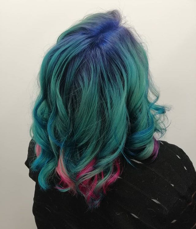 Medium-Lenth Blue and Purple Hair with Loose Curls