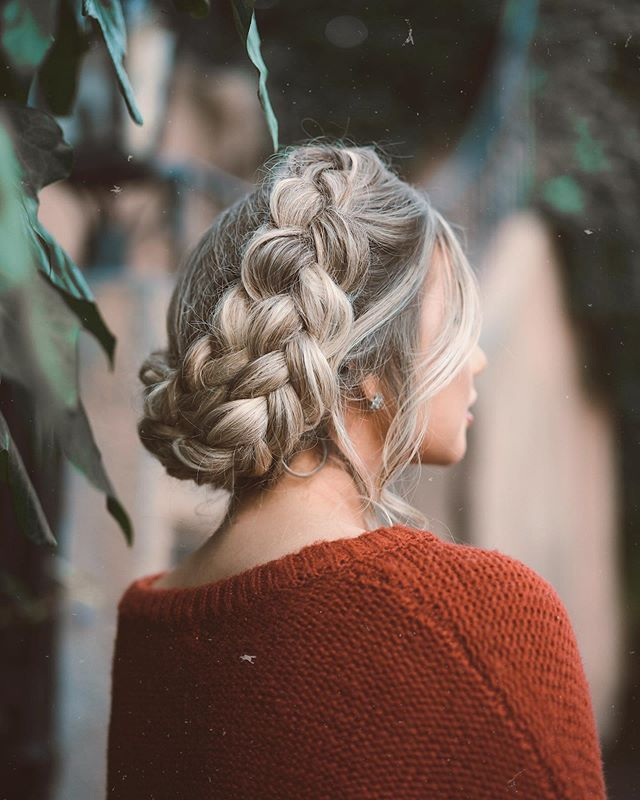Voluptuous Side Braid for a Lazy Afternoon
