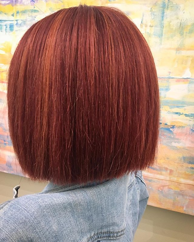 Hoodie Blunt Bob Hairstyle for the Redheads