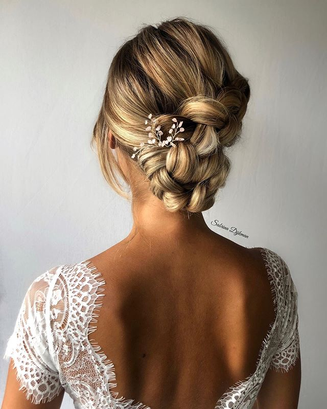Taut Knot Hair Updo for Formal Events