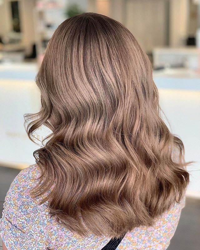 Ash-Brown Color with Soft Waves