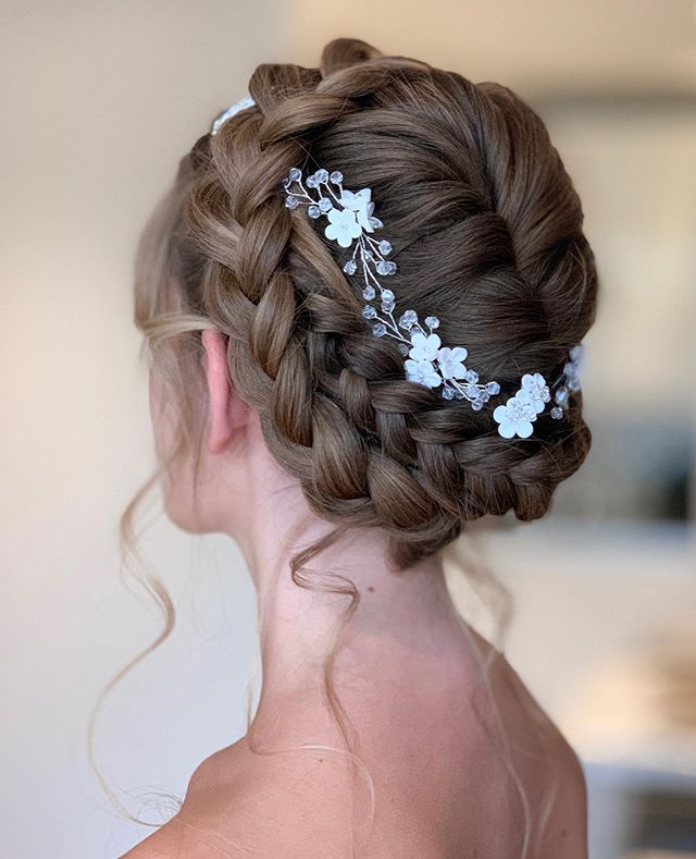 Effortless and Elegant Bridal Low Bun