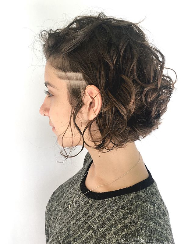 Short Wavy Hair with Rad Details