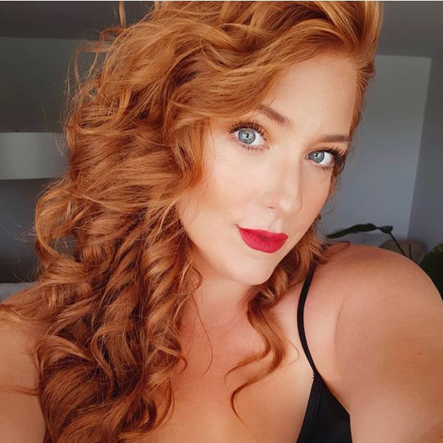 Beautiful Hairstyles for Wavy Red Tresses