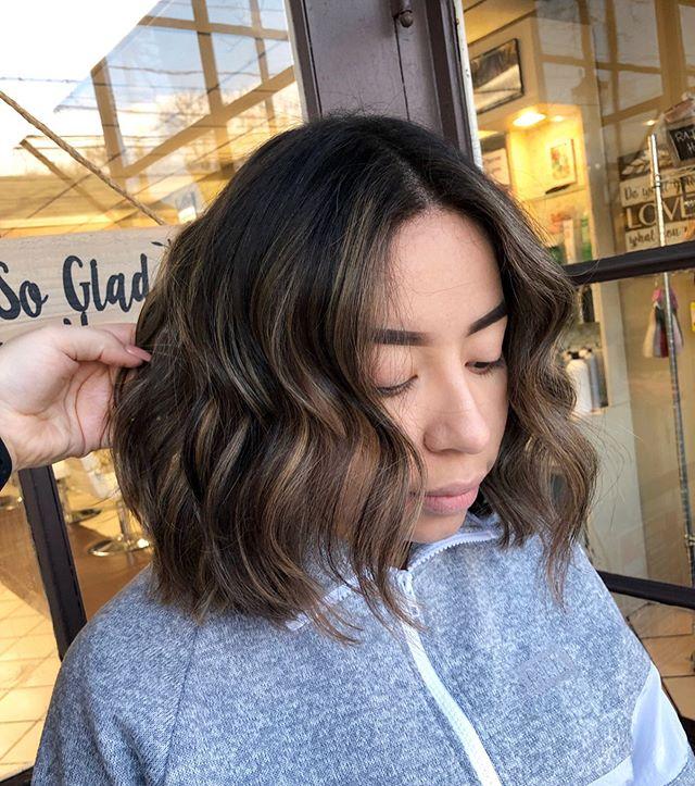 No Pressure Short Wavy Hair