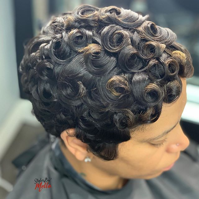 Defined Finger Curled Pixie Bob