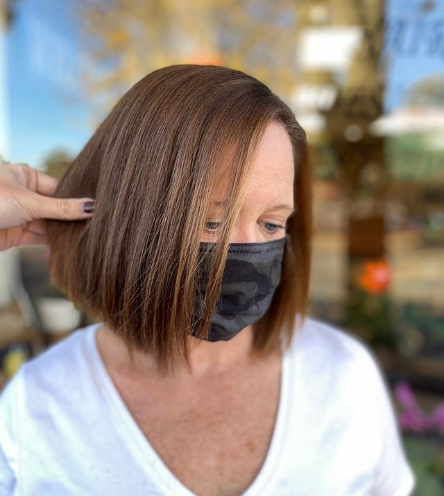Simple, Short Length Inverted Bob for the Straight Hair