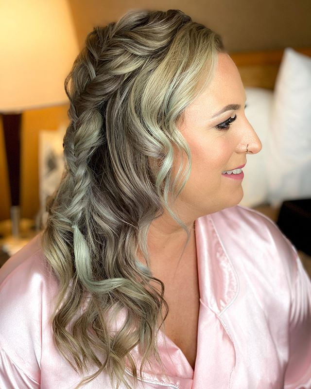 Loose Curls Accentuated With Thick Fishtail Braid