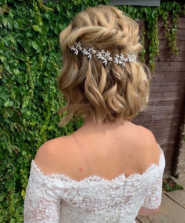 Artsy Silver Hairpiece on Elegant Curls