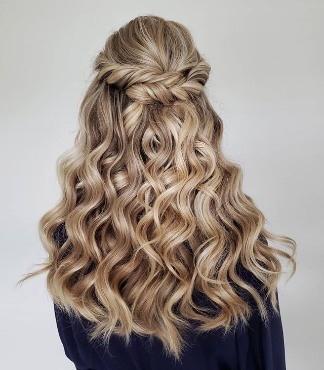 Asymmetrical Double-Twisted Half-up Curls