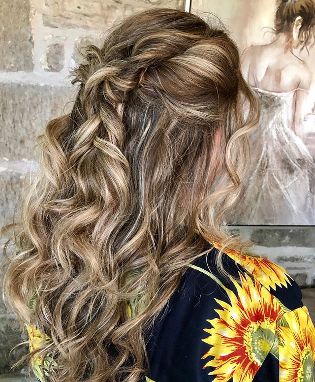 Easygoing Half-up Twisted Curls