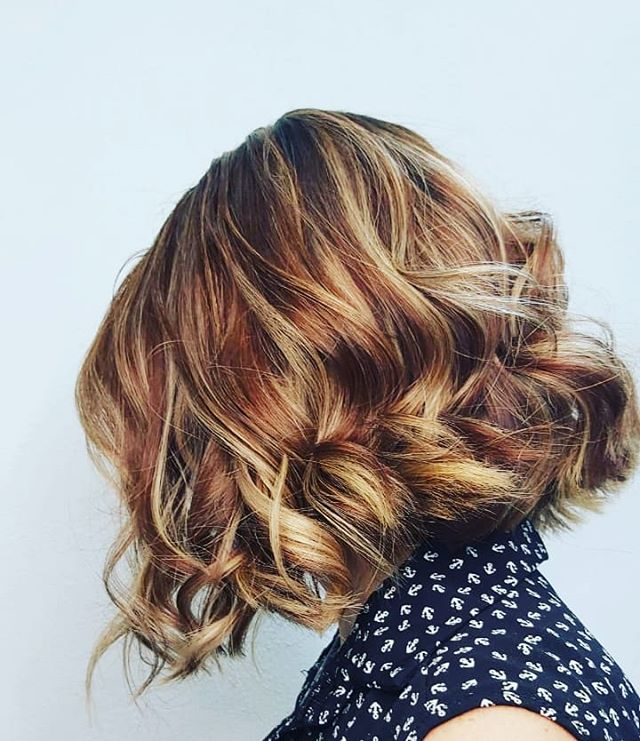 Over-the-Shoulder Bob with the Sweetest Ringlets