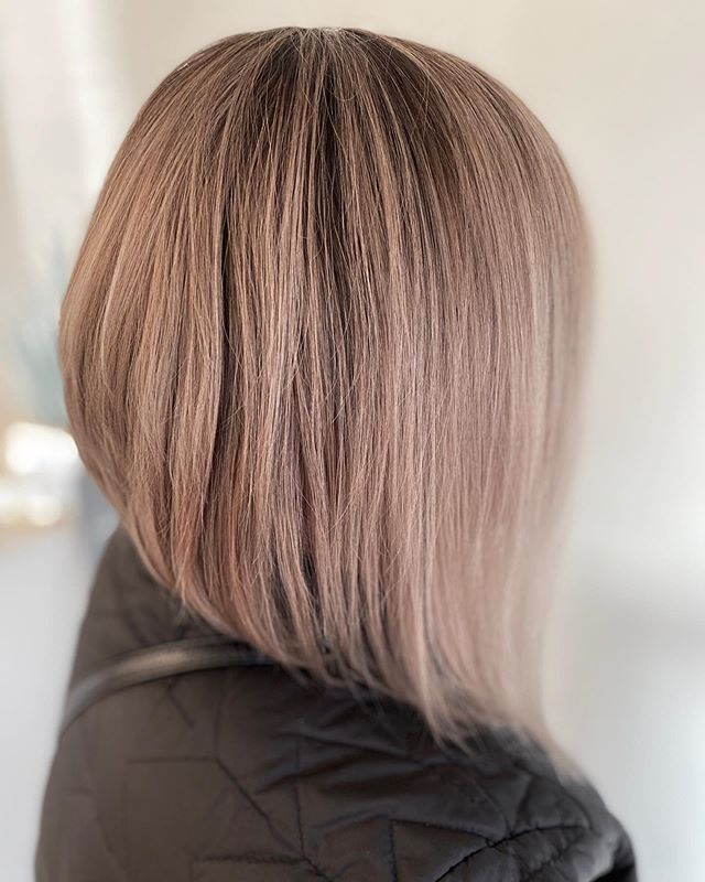 Drooping Peak Inverted Bob for the Workaholic You