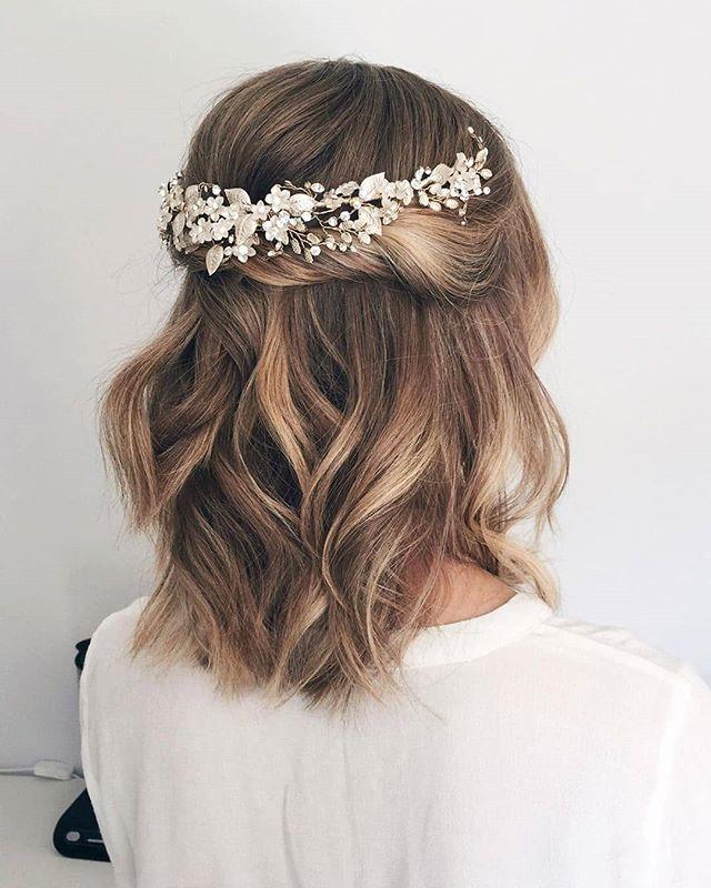 Easy Short Wedding Hairstyle Idea