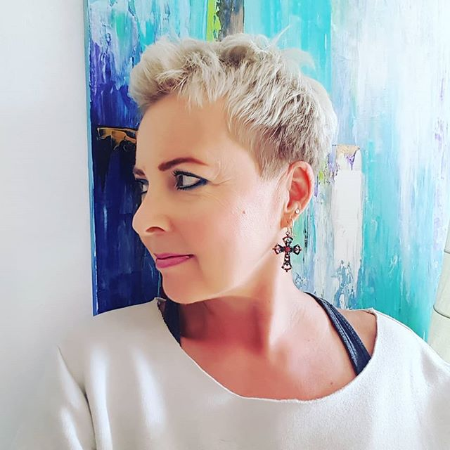 Lightly Tousled Layered Pixie Cut