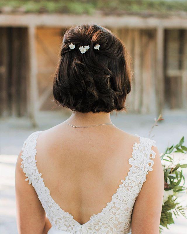 Fresh Bridal Bob Plus Delicate Daisy Accents