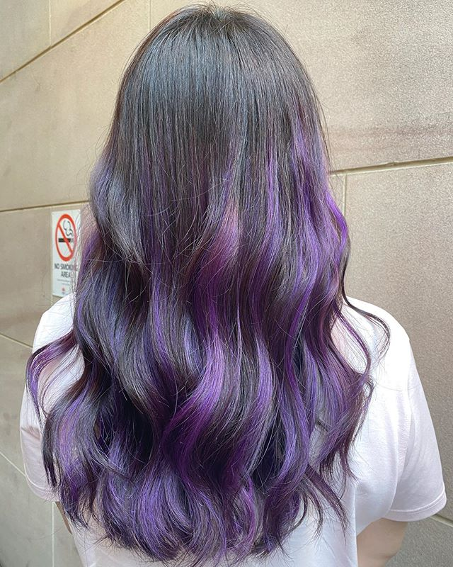 Exquisite Ashy Tones Highlighted With Violet
