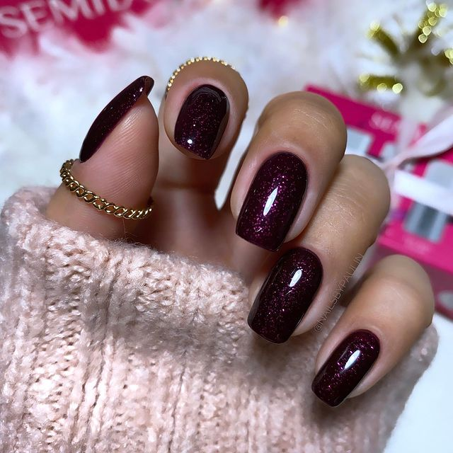 Shimmery Red Wine Laquer