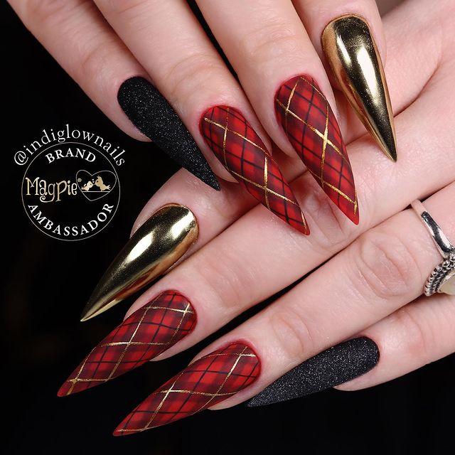 Christmas Ribbon Stiletto Nails